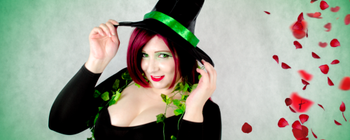 catleencosplay-poisonivy-halloweenwitch-4
