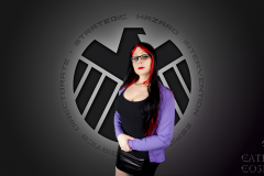 catleencosplay-victoriahand-shield-marvel